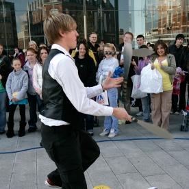 Jamie Ben - street Juggler and performer
