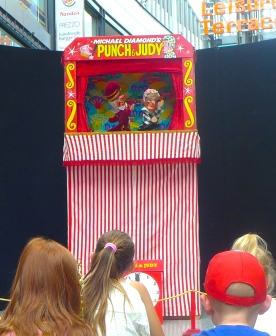 Punch and Judy Performers