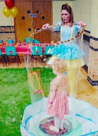 Alena Toppleover - Circus, Clowning, Bubbles, Hula Hoops and Fun!